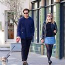 Saoirse Ronan and Jack Lowden – Out for a stroll and breakfast in London - 454 x 500
