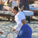 Jennifer Lopez – arrives at Nikki Beach for Magic Johnson 60th birthday in St. Tropez