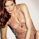 Catherine McNeil - Vogue Magazine Pictorial [Spain] (November 2015) - 454 x 627