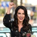 Jessica Lowndes – Visits 'Extra' at Universal Studios Hollywood in Universal City - 454 x 681