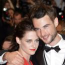 Kristen Stewart & Tom Sturridge at Rob's Cosmopolis Premiere - 454 x 682