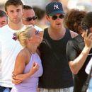 Geri Halliwell and Robbie Williams - 454 x 586