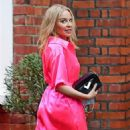 Kylie Minogue – In an electric pink silk outfit in South London - 454 x 928