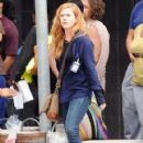 Amy Adams Performs on the Set of 'Sharp Objects' - 421 x 600
