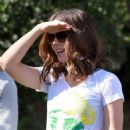 Kate Beckinsale Picking Up Her Daughter From School