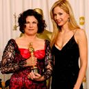 Colleen Atwood and Mira Sorvino attends The 75th Annual Academy Awards - Press Room (2003) - 439 x 612