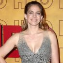 Anna Chlumsky  : 69th Annual Primetime Emmy Awards - 400 x 600