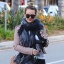 Hilary Duff stops by a gym for a workout in Studio City, California on January 24, 2017 - 454 x 588