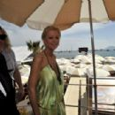 Tara Reid - Lunches & Then Heads Out To A Yacht In Cannes, France, 17. 5. 2009.