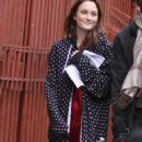 Leighton Meester-On Set Of Gossip Girl In New York-05.10.2010