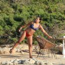 Lily Allen in Bikini on the beach in Ibiza - 454 x 454