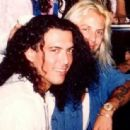 Stephen Pearcy w/ Vince Neil - 454 x 445
