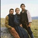 (Left to right) Skeet Ulrich, Keri Russell, and Matthew Settle. ©2005 Into the West/Turner Network Television. - 247 x 314