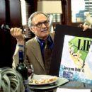 Alan Alda as Dan Wanamaker in Paramount's What Women Want - 2000 - 400 x 275