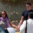 Jennifer Love Hewitt And Jamie Kennedy Arriving In Mexico, 2009-03-21