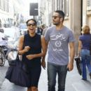 Rosario Dawson Shops In Milan - 396 x 594