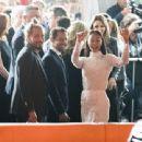 Zoe Saldana attends the premiere of Warner Bros. Pictures'