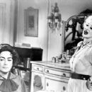 What Ever Happened to Baby Jane? - Bette Davis - 454 x 357
