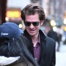 Andrew Garfield greets a fan as he leaves a downtown hotel in New York City, New York on January 10, 2017 - 454 x 562