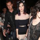 Katy Perry Exits the Eurostar