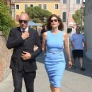 Cindy Crawford Arrives in Venice - 454 x 680