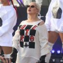 Christina Aguilera – Performing on NBC's 'Today' Show in New York - 454 x 573