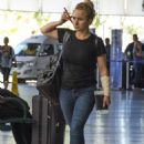 Hayden Panettiere in Jeans at Airport in Barbados - 454 x 633