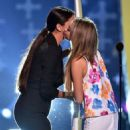 Selena Gomez and Sarah Hyland backstage  at the 2014 Teen Choice Awards!