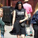 Krysten Ritter – Arrives on the set of 'Jessica Jones' in New York City - 454 x 681