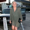 Lindsey Vonn – Arrives for dinner at Craig's in West Hollywood - 454 x 634