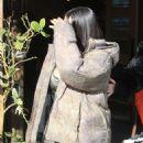 Kim Kardashian – Arrives at the Grandville Restaurant in Studio City