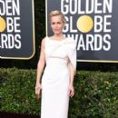 Gillian Anderson wears Safiyaa Dress : 77th Annual Golden Globe Awards
