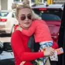 Hayden Panettiere at LAX airport in Los Angeles - 454 x 696