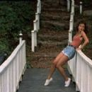 Jennifer Grey - 454 x 256