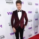 Joey Graceffa - 2015 Streamy Awards - 412 x 600
