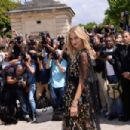Chiara Ferragni – Christian Dior Fashion Show FW 2017 in Paris - 454 x 302
