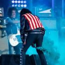 Alice Cooper is seen performing with his band Hollywood Vampires at 'Jimmy Kimmel Live' in Los Angeles, California on June 13, 2019 - 454 x 571