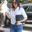 Courtney Cox – Out for Lunch at The Honor Bar in Los Angeles - 454 x 899