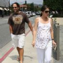 Mike Piazza and Alicia Rickter - 421 x 594
