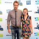 Kristen Bell with Dax Shepard at the 2012 Do Something Awards (August 19) - 454 x 690