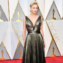 Charlize Theron At The 89th Annual Academy Awards - Arrivals (2017) - 400 x 600