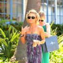 Kelly Carlson Out In Malibu Shopping 08-03-09