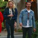 Joe Jonas and Sophie Turner - 454 x 624
