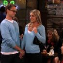 """Britney Spears - """"How I Met Your Mother: Everything Must Go"""" Stiils"""