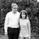 Natalie Wood and Michael Caine - 454 x 395