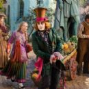 Alice Through the Looking Glass (2016) - 454 x 284