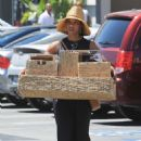 Kelly Rowland – Shopping at the Container Store in LA - 454 x 681
