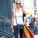 Kate Upton stops by a gym for a workout in New York City, New York on August 1, 2016 - 395 x 600