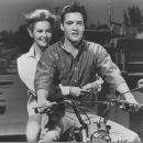 Clambake - Elvis Presley - 400 x 373