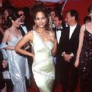 Halle Berry At The 70th Annual Academy Awards (1998) - Arrivals - 454 x 676